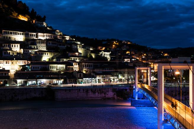 Berat_at_night
